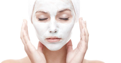 5 DIY MASKS TO STAY WRINKLE FREE